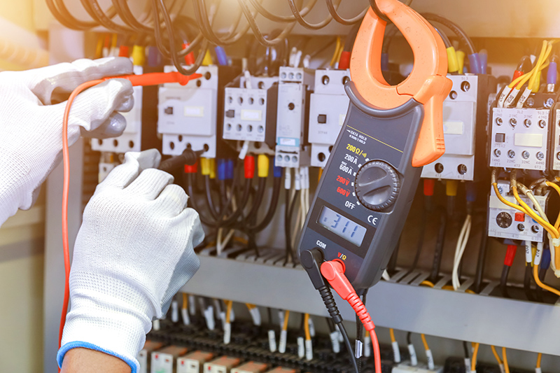 How To Become An Electrician in Milton Keynes Buckinghamshire